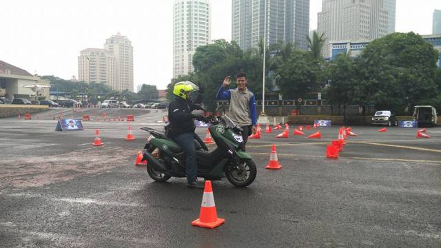 Max Owners Safety Riding